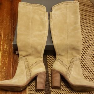 Vince Camuto Madolee tan suede boots sz 8